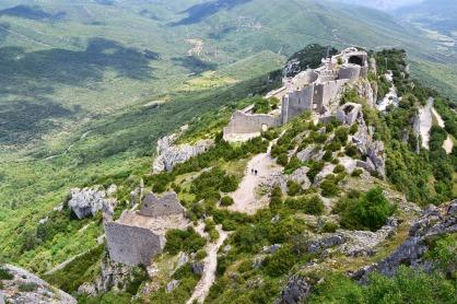 Que visiter depuis Les Asphodèles - Vallée de la VIs ? Chateau cathare de Peyrepertusse