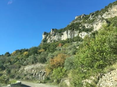 Falaises au-dessus de Madières, près du gite Les Asphodèles - Vallée de la Vis