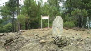 Menhir près du gite Les Asphodèles - Vallée de la Vis